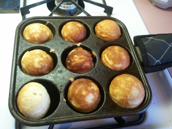 Aebleskiver cooking